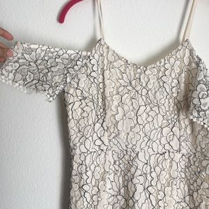 Romeo + Juliet Couture Lace dress